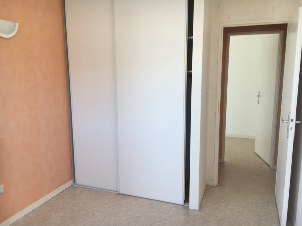 Appartement à louer 3 69m2 à Rochefort vignette-11