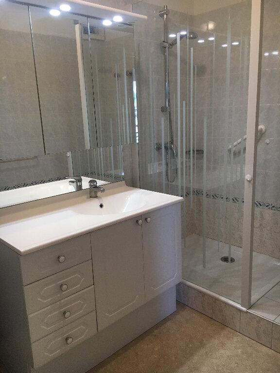 Appartement à louer 3 69m2 à Rochefort vignette-15