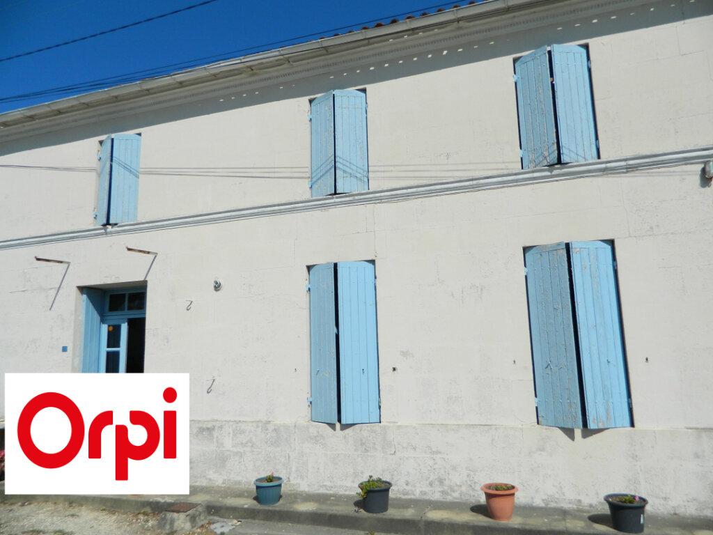 Maison à vendre 5 120m2 à Corme-Royal vignette-1