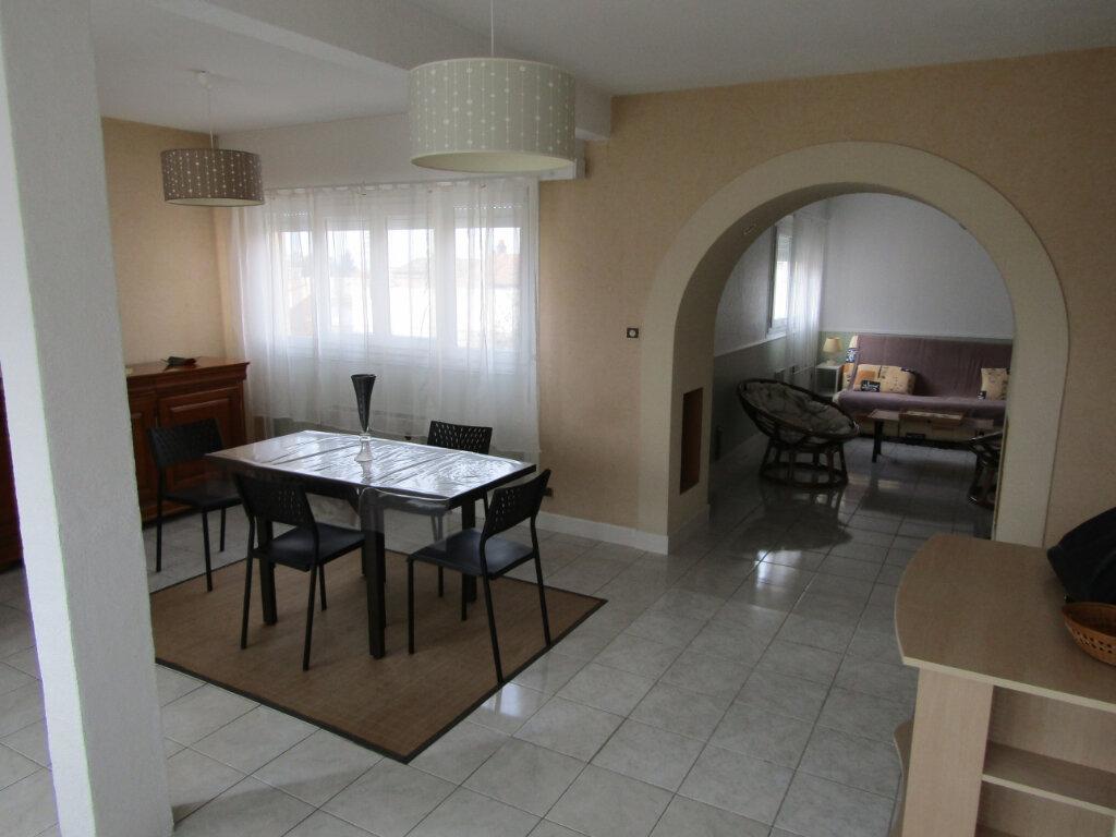 Appartement à vendre 2 63m2 à Rochefort vignette-1