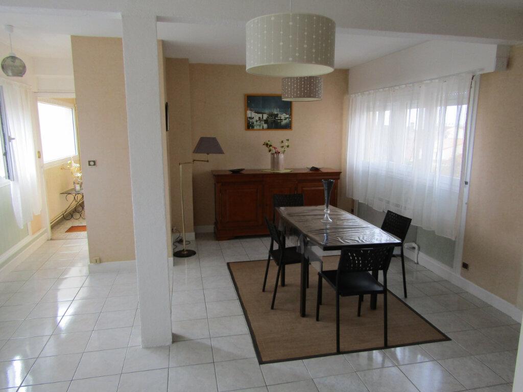 Appartement à vendre 2 63m2 à Rochefort vignette-2
