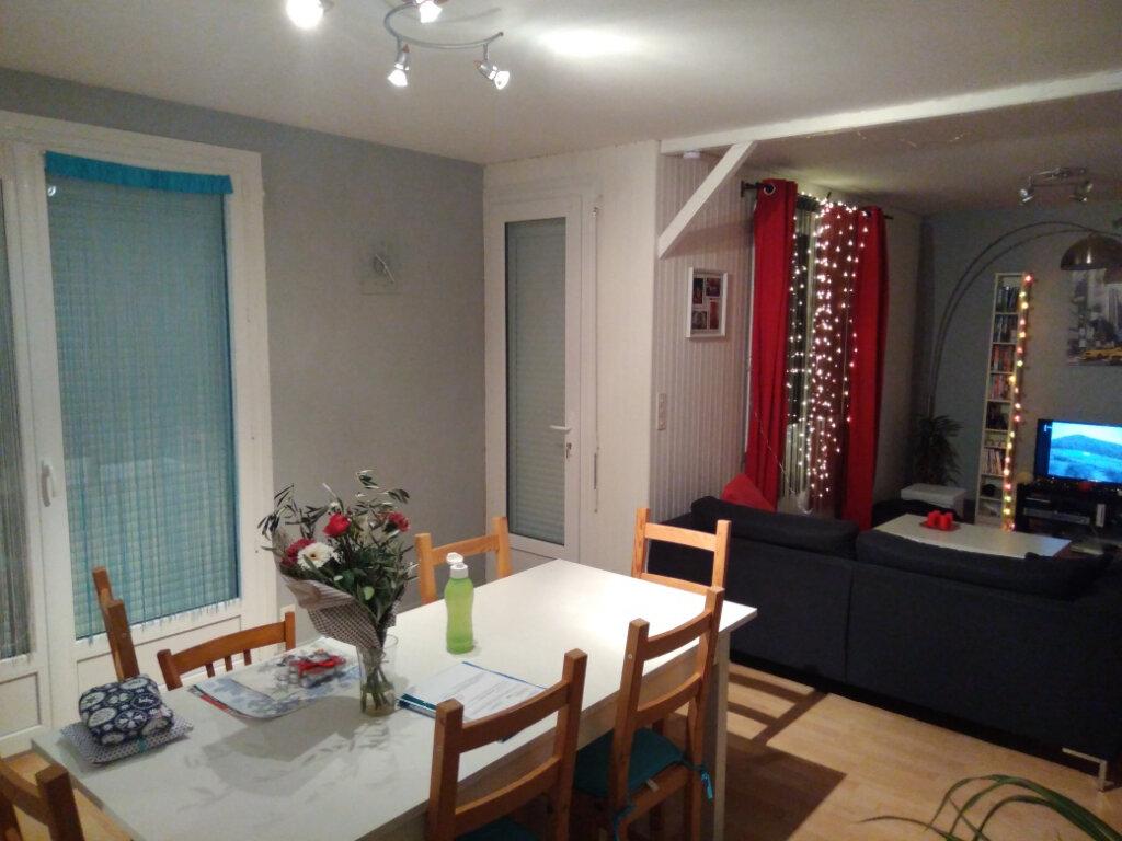 Appartement à vendre 3 69m2 à Rochefort vignette-3