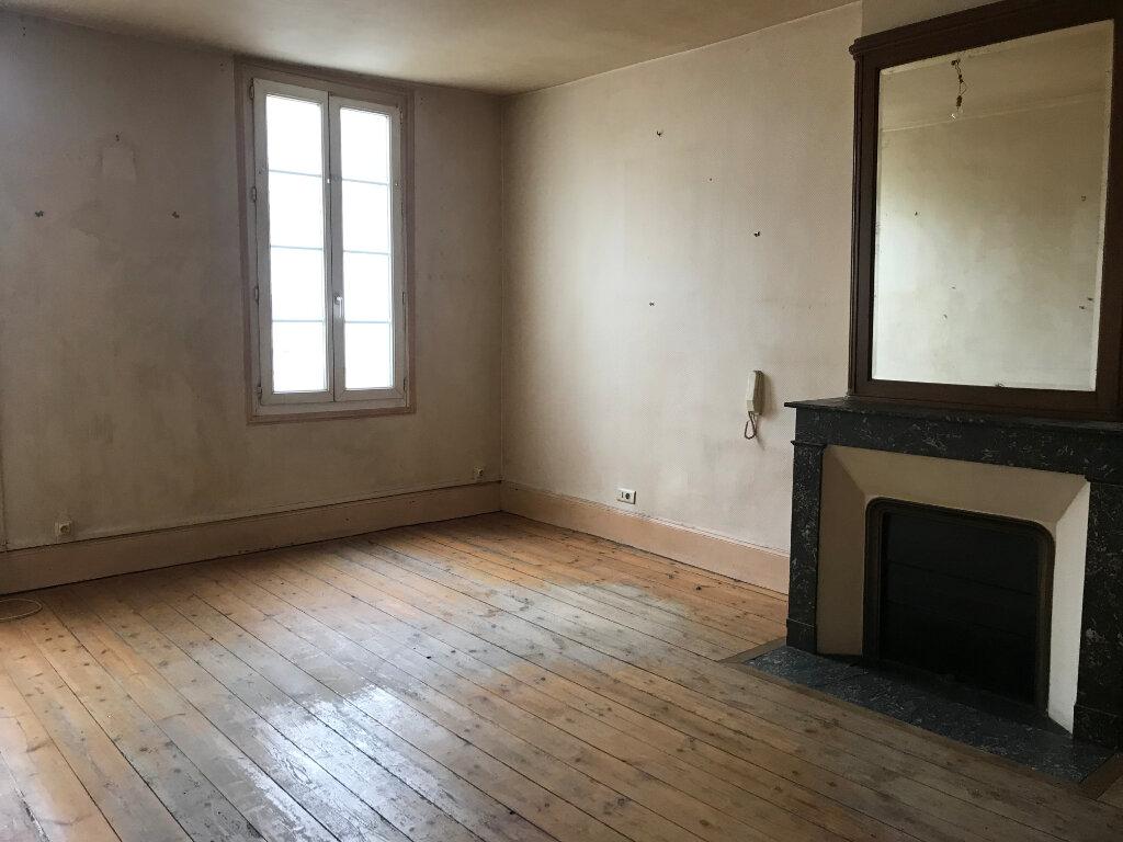 Appartement à vendre 2 44m2 à Rochefort vignette-1