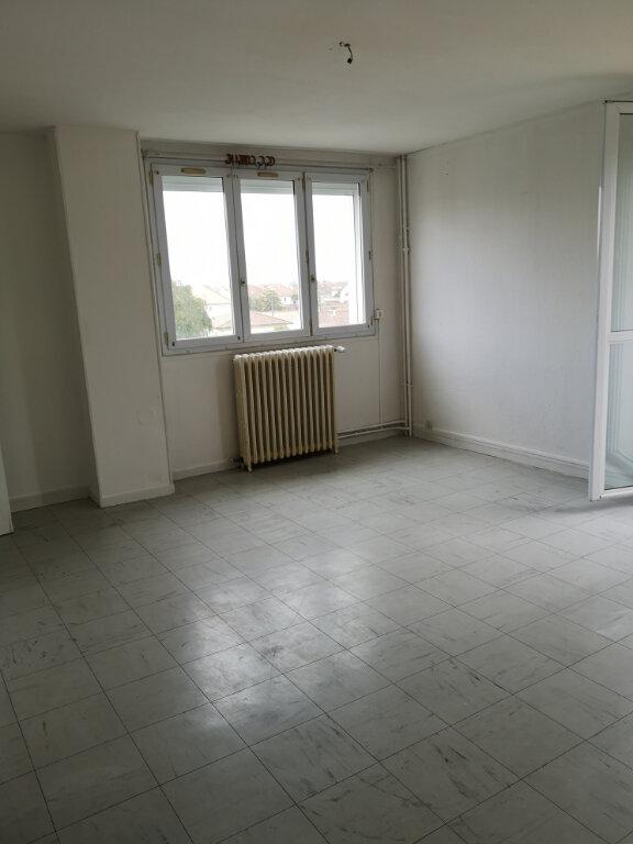 Appartement à vendre 3 54m2 à Rochefort vignette-1