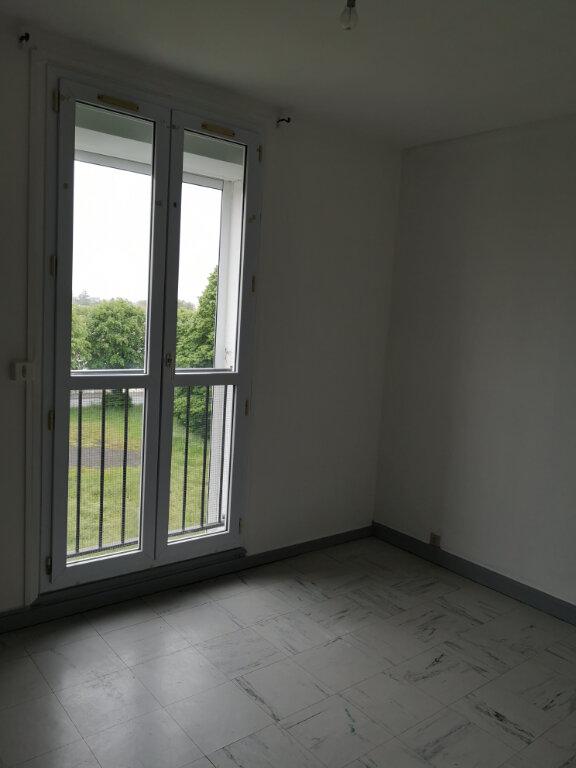 Appartement à vendre 3 54m2 à Rochefort vignette-5