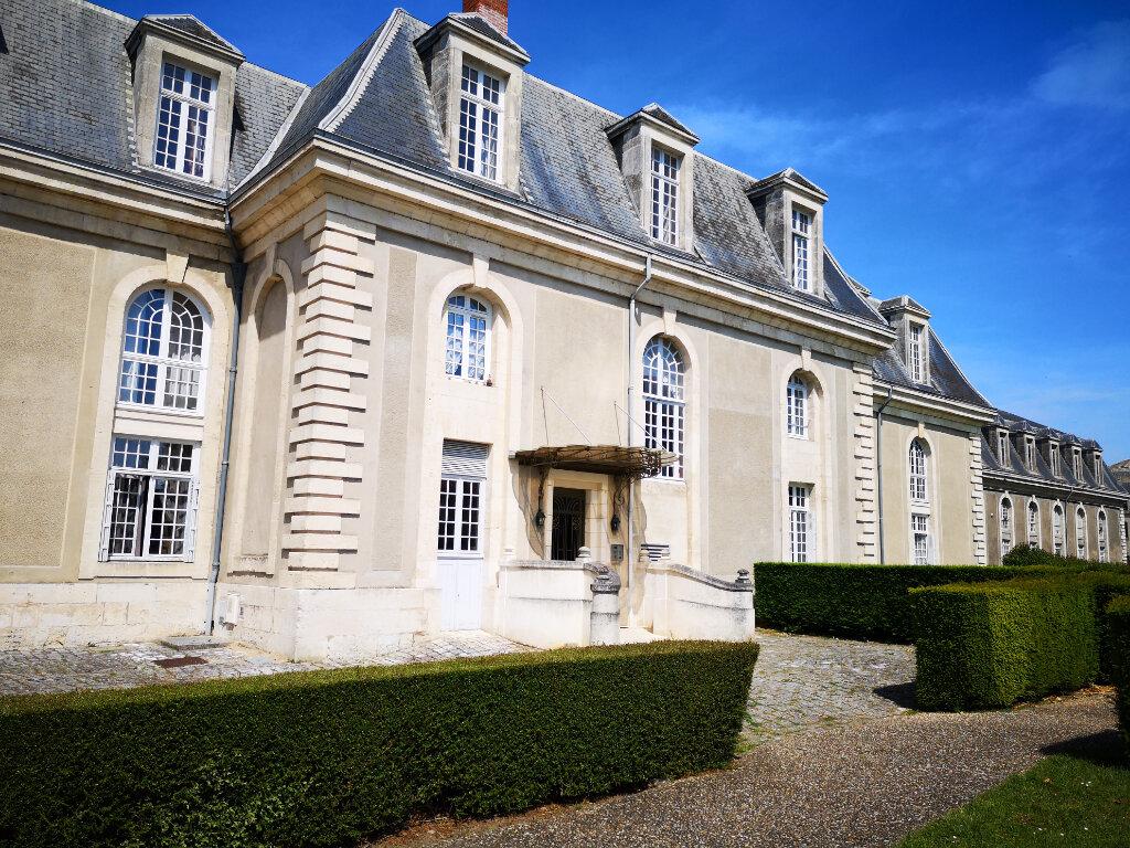 Appartement à vendre 4 113.71m2 à Rochefort vignette-1