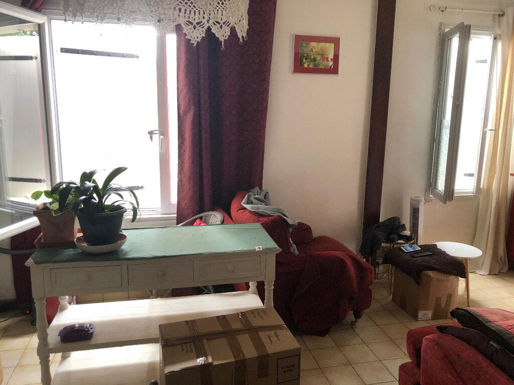 Maison à louer 3 57.12m2 à Rochefort vignette-3
