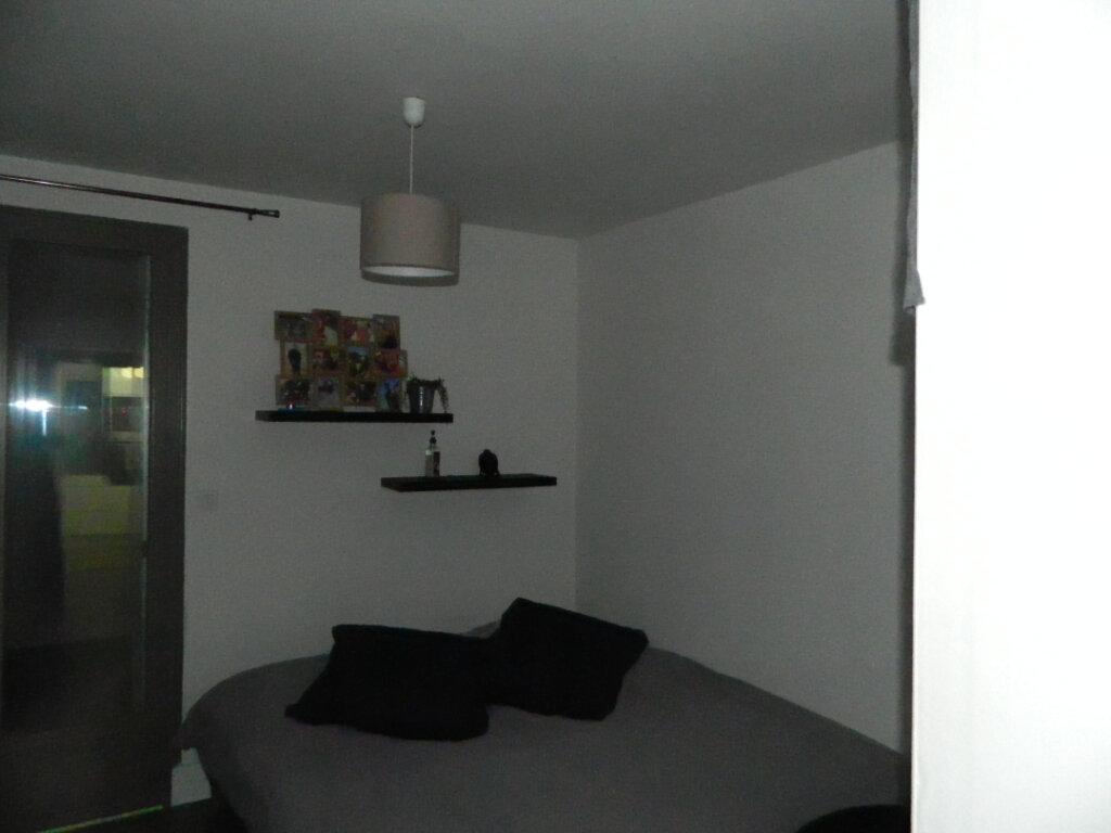 Appartement à louer 2 47m2 à Rochefort vignette-4