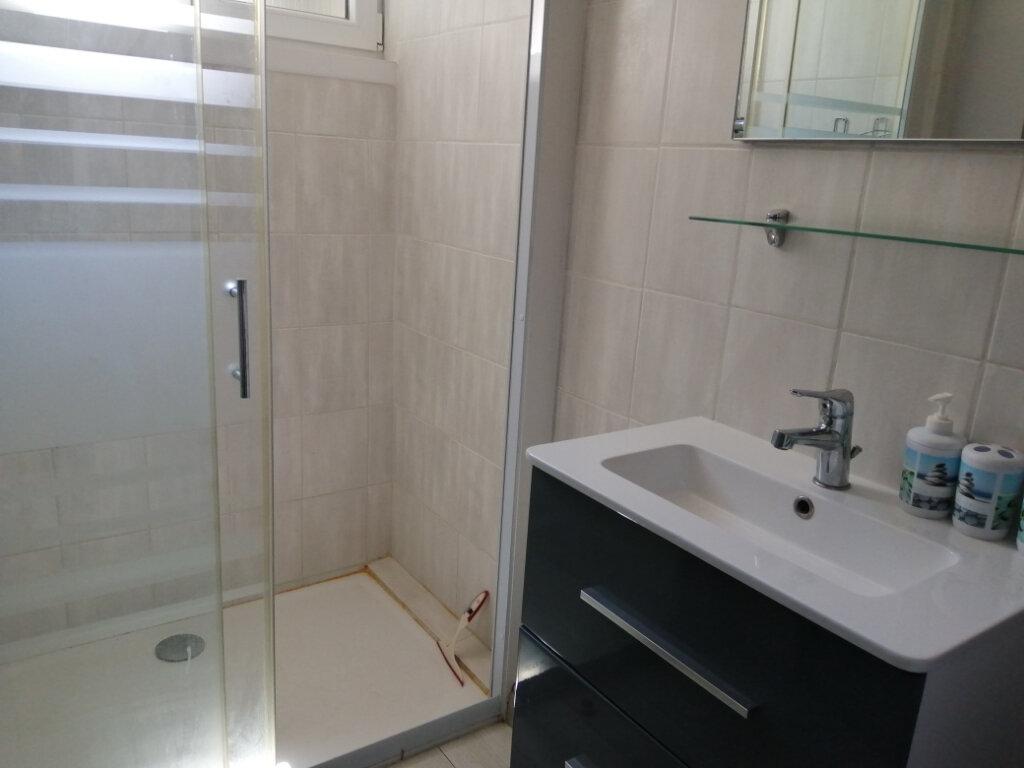 Appartement à louer 1 30.86m2 à Rochefort vignette-4