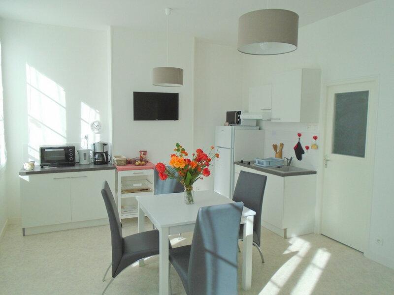 Appartement à louer 2 42.4m2 à Rochefort vignette-2