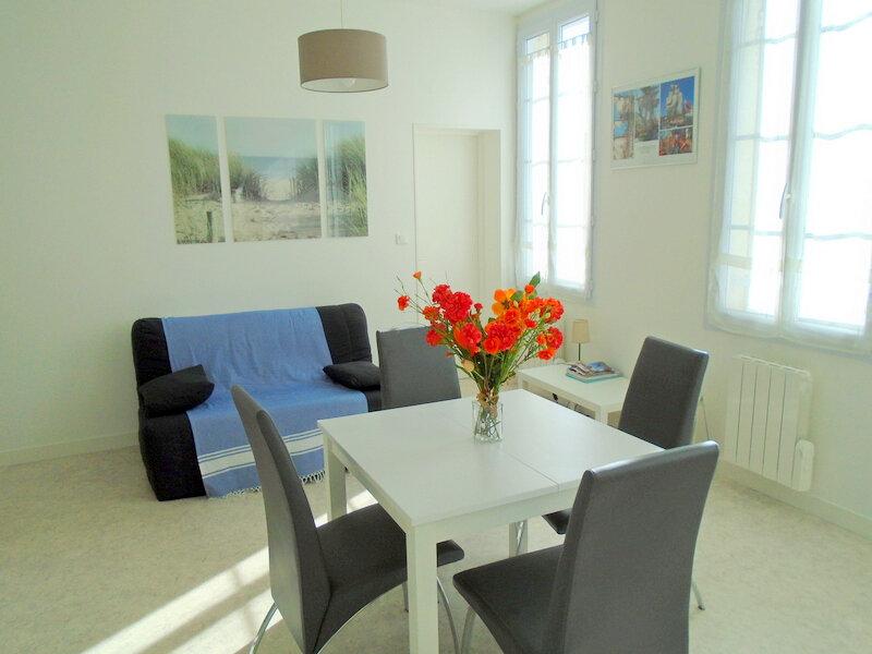 Appartement à louer 2 42.4m2 à Rochefort vignette-5
