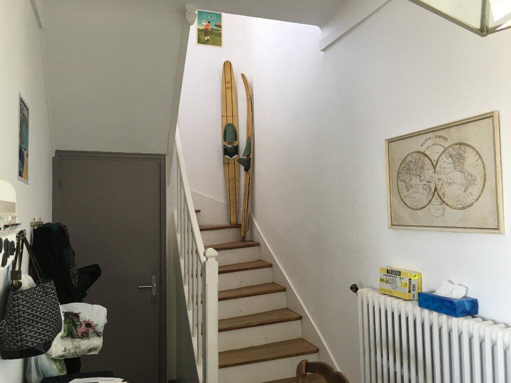 Maison à louer 5 180m2 à Fouras vignette-5