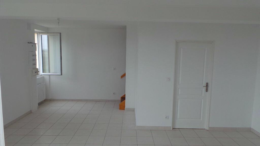 Maison à louer 3 65m2 à Saint-Maixant vignette-3