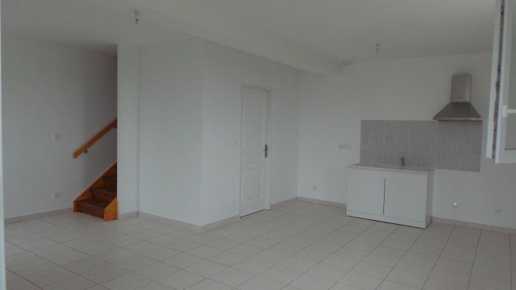 Maison à louer 3 65m2 à Saint-Maixant vignette-4
