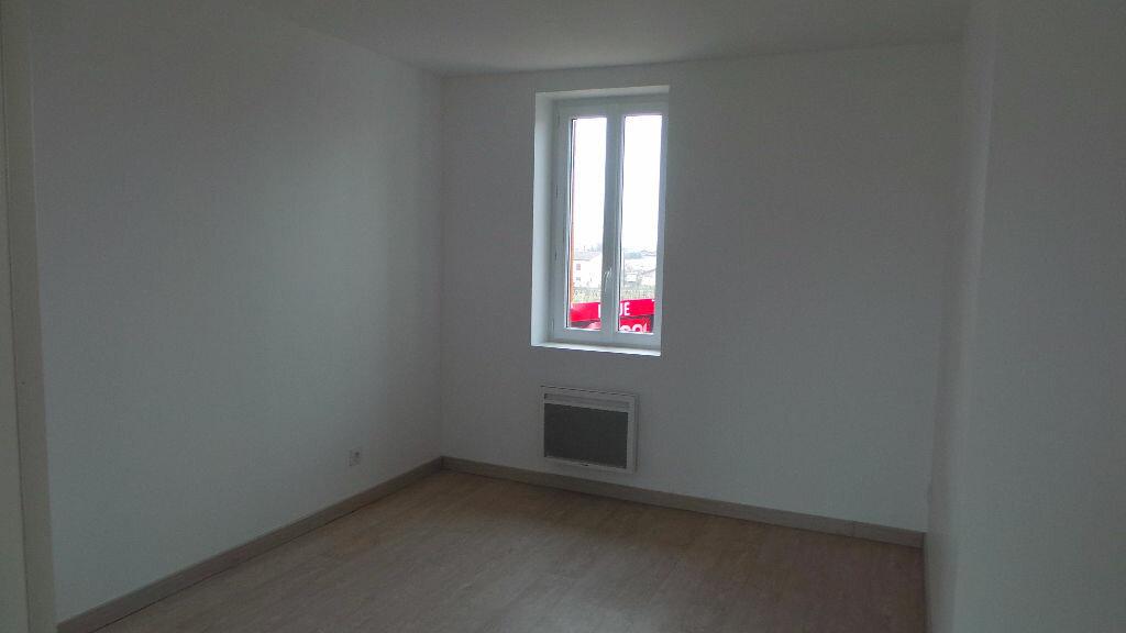 Maison à louer 3 65m2 à Saint-Maixant vignette-6