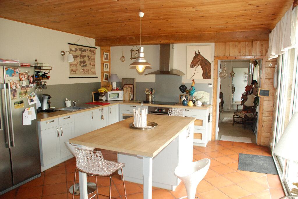 Maison à vendre 4 152.5m2 à Brannens vignette-4