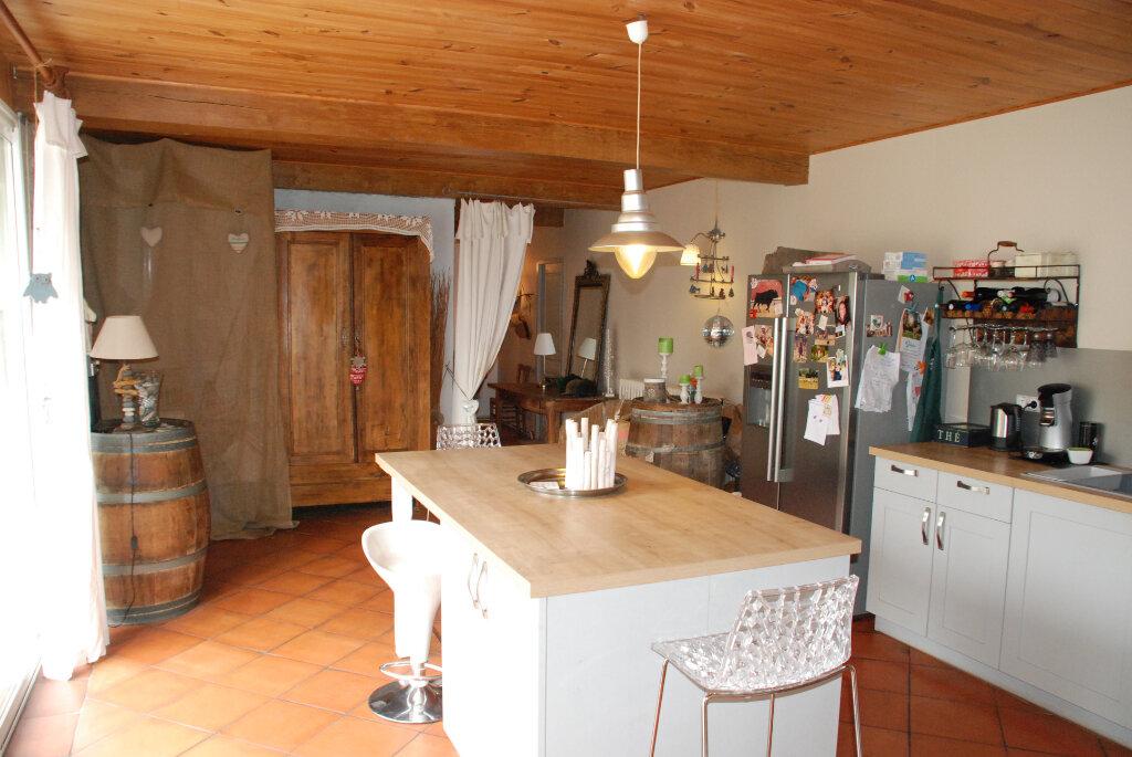 Maison à vendre 4 152.5m2 à Brannens vignette-5