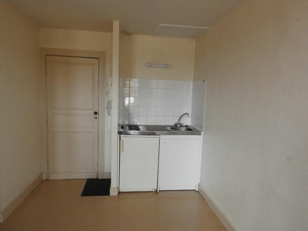 Appartement à louer 1 23m2 à Bazas vignette-3