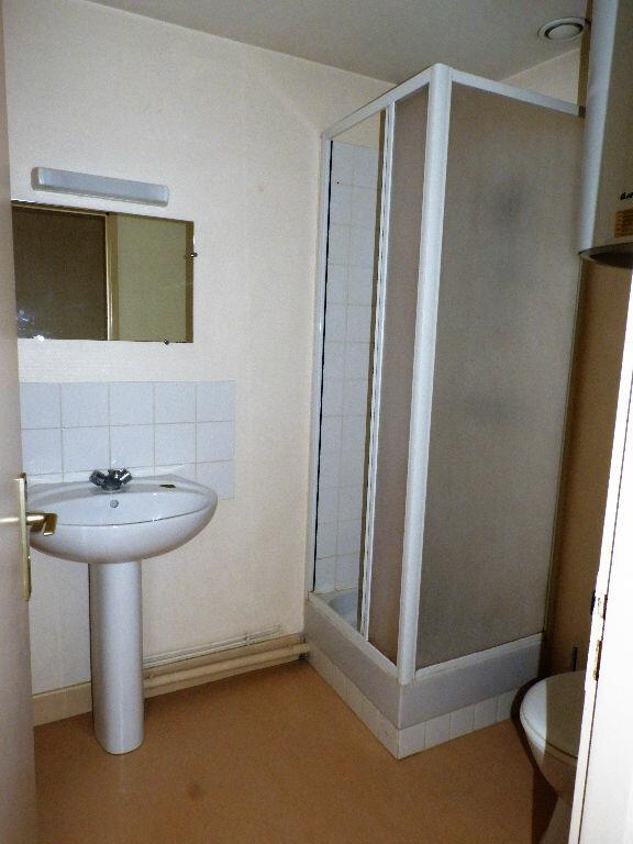 Appartement à louer 1 23m2 à Bazas vignette-4