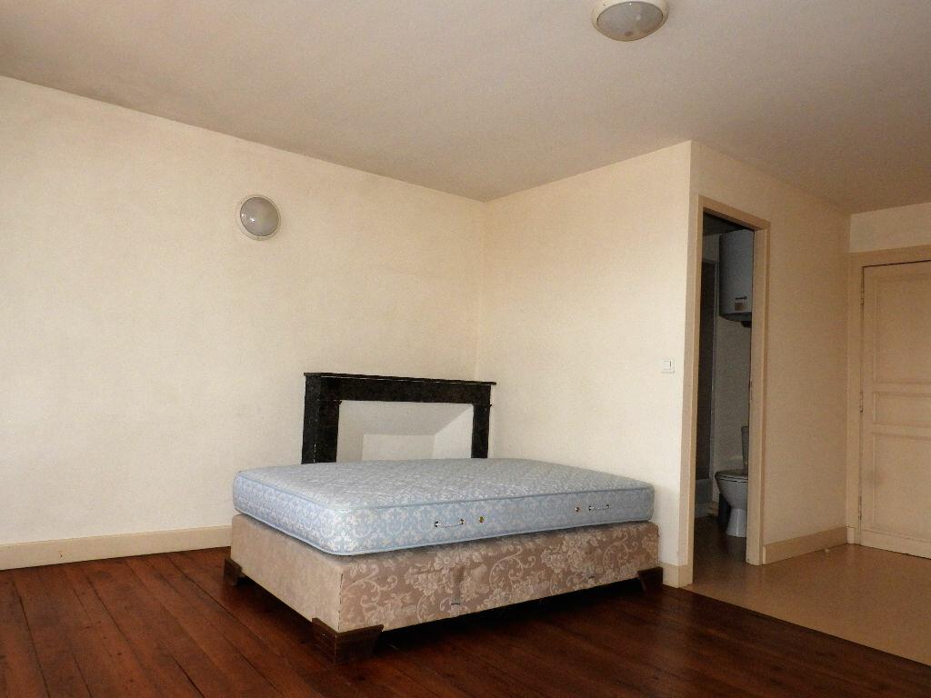 Appartement à louer 1 23m2 à Bazas vignette-5