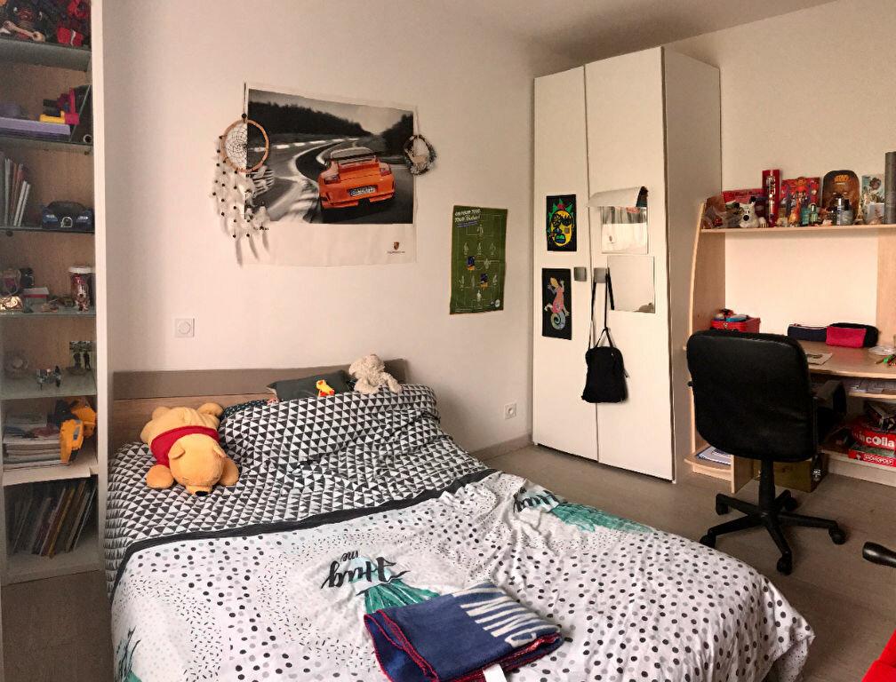 Appartement à louer 4 79m2 à Saint-André-du-Bois vignette-7