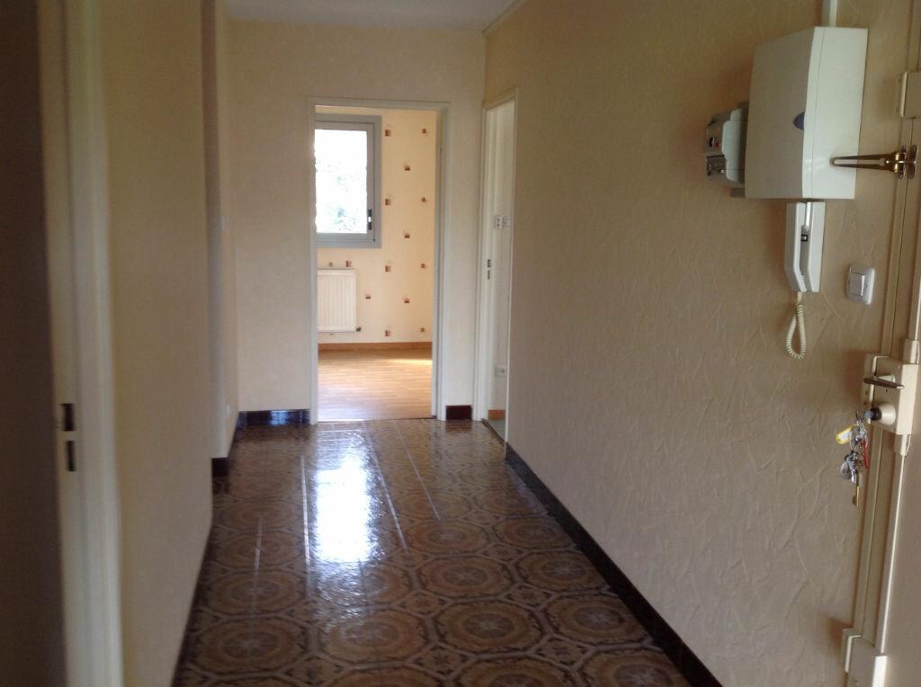 Appartement à louer 5 100m2 à Bar-le-Duc vignette-2