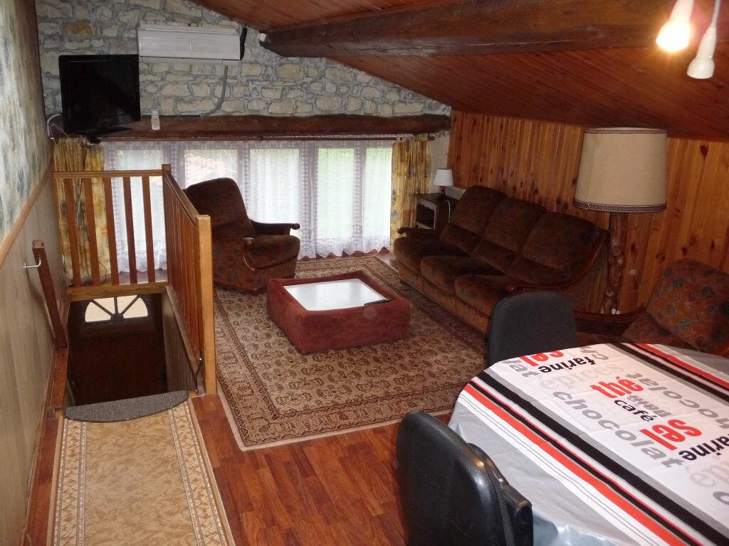 Appartement à louer 3 52m2 à Chaumont-sur-Aire vignette-1