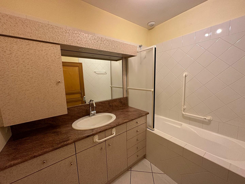 Appartement à louer 5 98m2 à Bar-le-Duc vignette-6