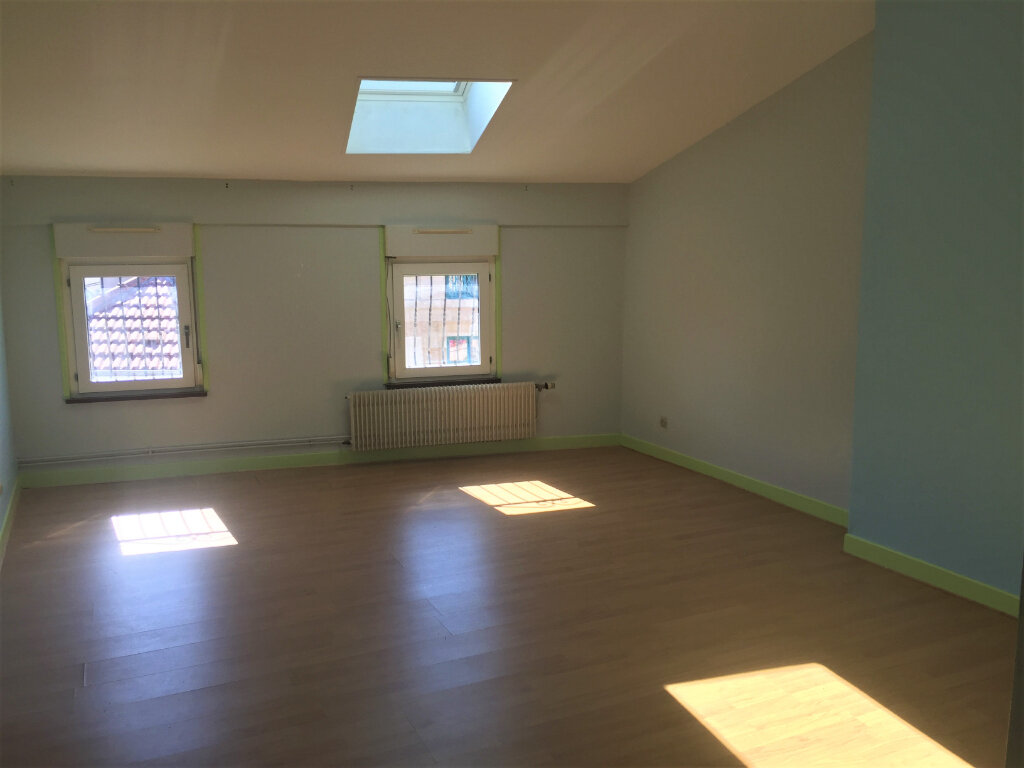 Appartement à louer 5 123m2 à Bar-le-Duc vignette-4