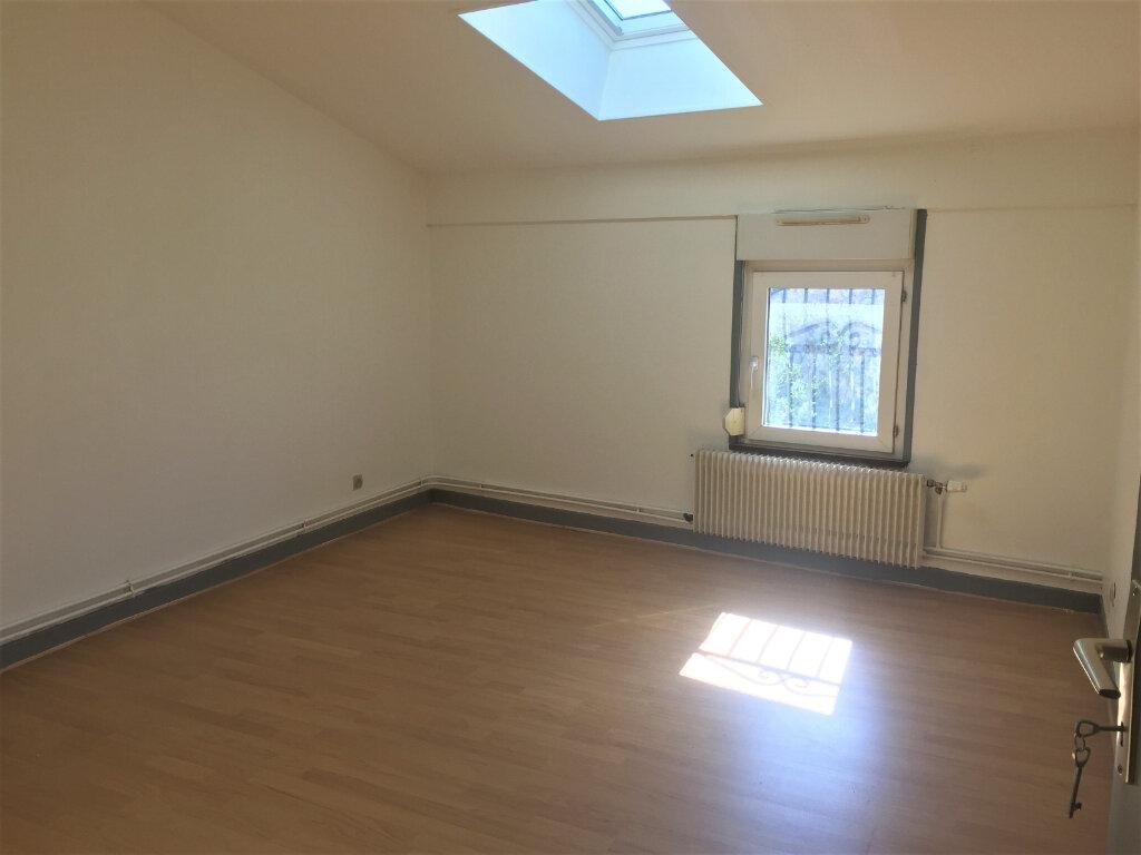 Appartement à louer 5 123m2 à Bar-le-Duc vignette-5