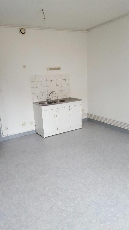 Appartement à louer 2 65m2 à Bar-le-Duc vignette-2