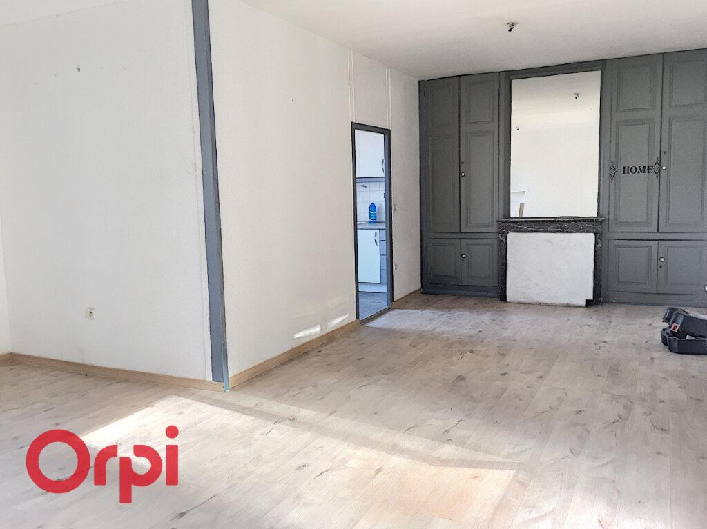 Appartement à louer 3 78.6m2 à Bar-le-Duc vignette-1