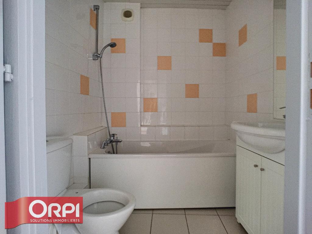 Appartement à louer 3 68m2 à Bar-le-Duc vignette-4