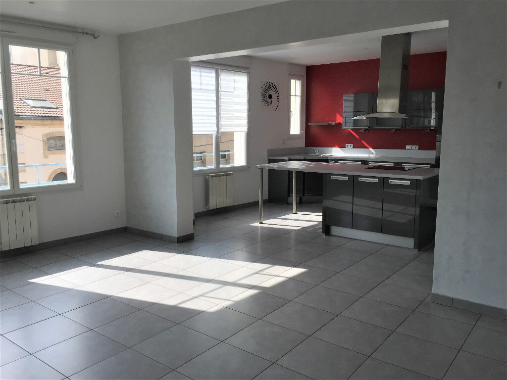 Appartement à louer 3 96m2 à Bar-le-Duc vignette-1