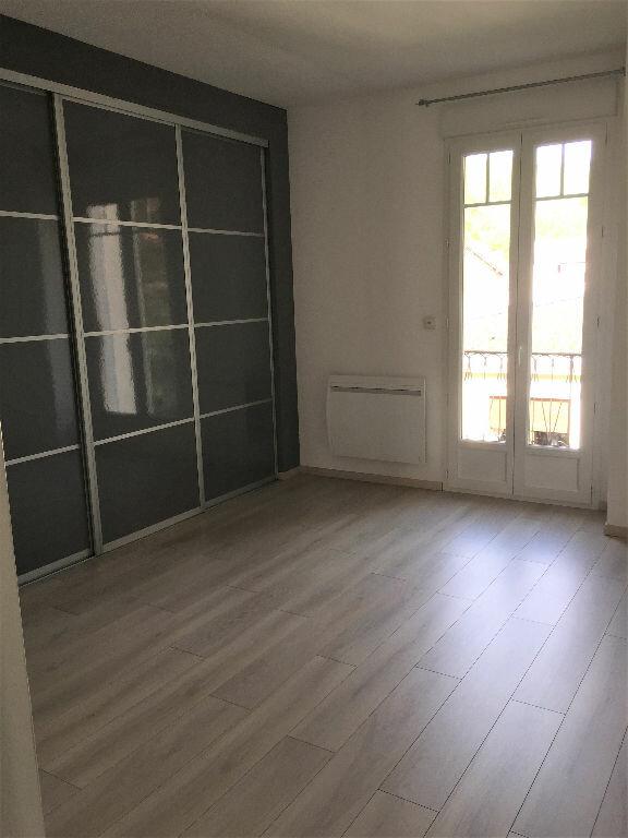Appartement à louer 3 96m2 à Bar-le-Duc vignette-6