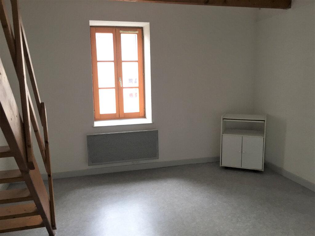 Appartement à louer 2 34m2 à Bar-le-Duc vignette-1