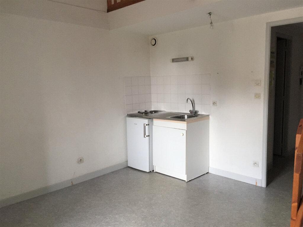 Appartement à louer 2 34m2 à Bar-le-Duc vignette-2
