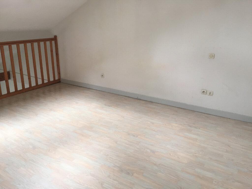 Appartement à louer 2 34m2 à Bar-le-Duc vignette-3