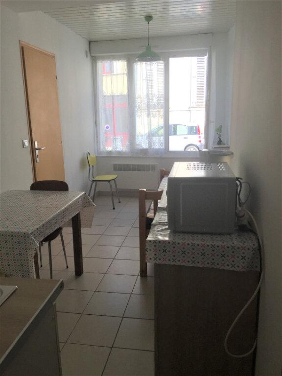 Appartement à louer 1 15m2 à Bar-le-Duc vignette-3