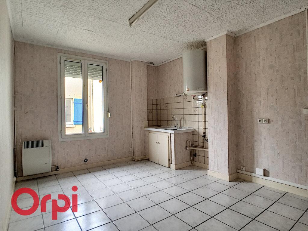 Appartement à louer 2 55m2 à Revigny-sur-Ornain vignette-1