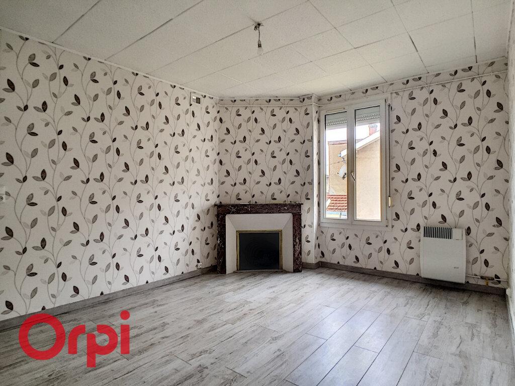 Appartement à louer 2 55m2 à Revigny-sur-Ornain vignette-2