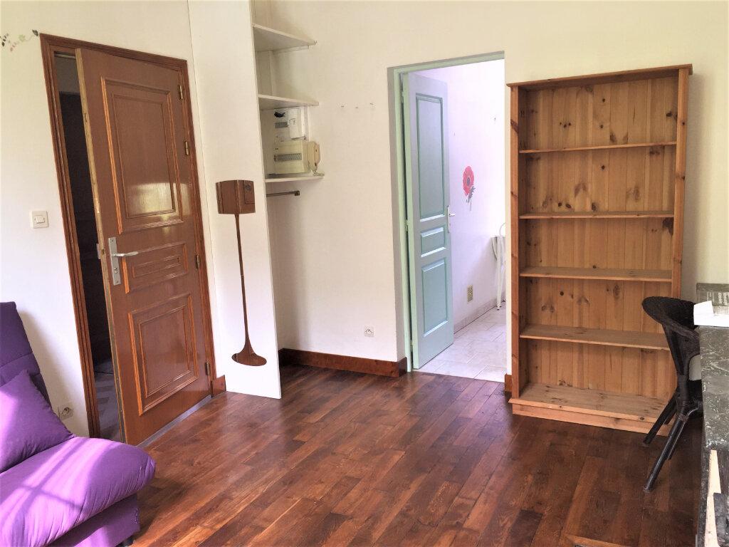 Appartement à louer 2 22m2 à Bar-le-Duc vignette-1