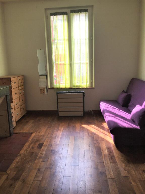 Appartement à louer 2 22m2 à Bar-le-Duc vignette-2