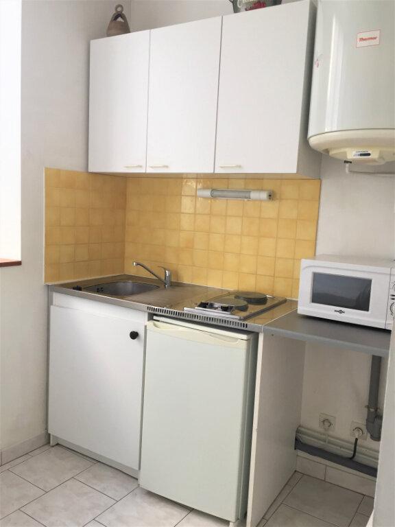 Appartement à louer 2 22m2 à Bar-le-Duc vignette-4