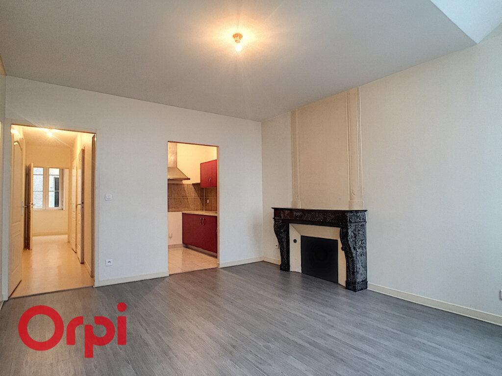 Appartement à louer 3 47.98m2 à Ligny-en-Barrois vignette-1