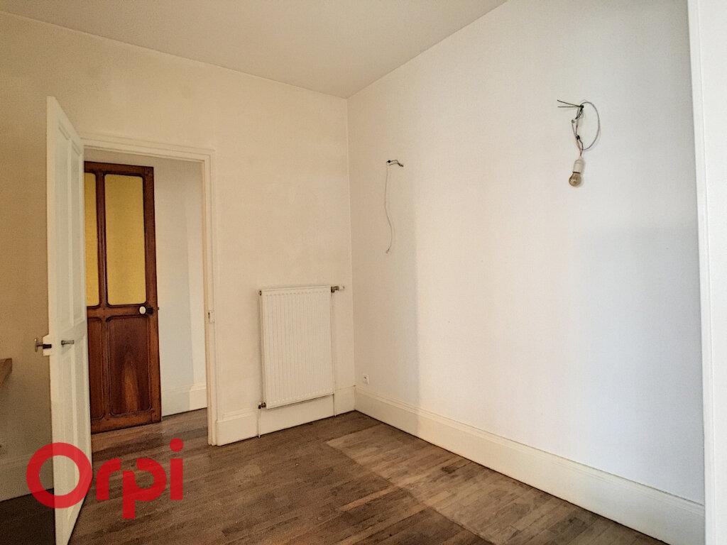 Maison à louer 8 209m2 à Rembercourt-Sommaisne vignette-3