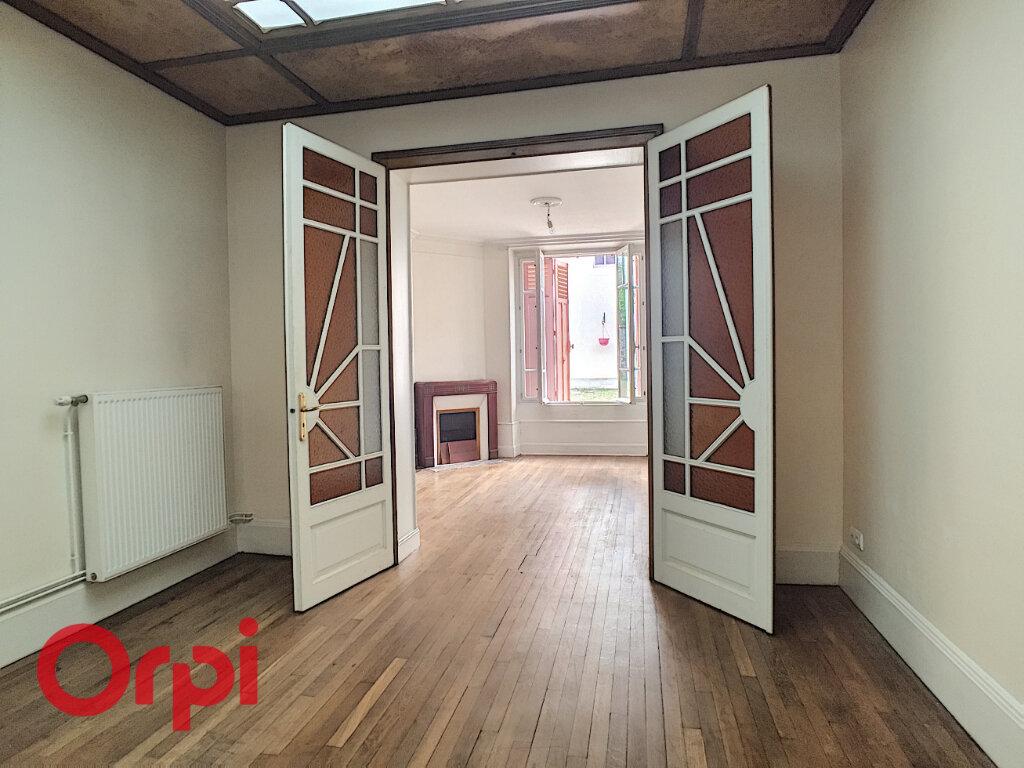 Maison à louer 8 209m2 à Rembercourt-Sommaisne vignette-9