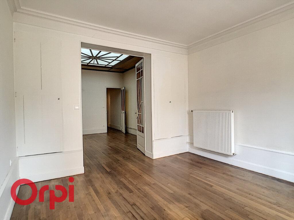 Maison à louer 8 209m2 à Rembercourt-Sommaisne vignette-10