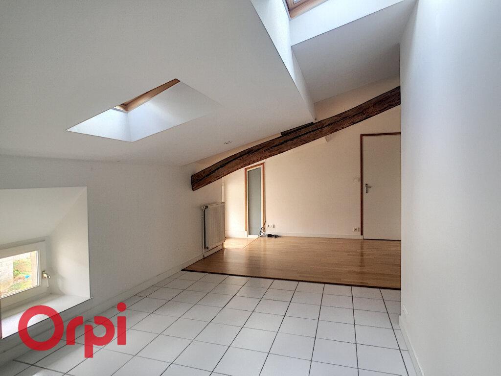Maison à louer 8 209m2 à Rembercourt-Sommaisne vignette-14