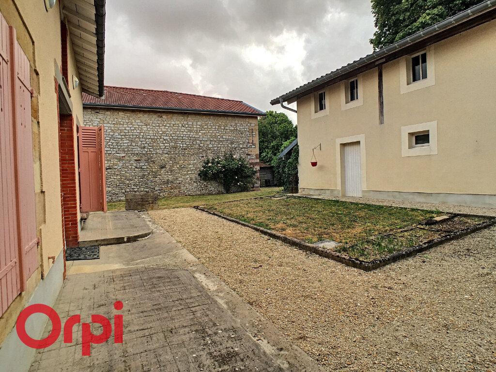 Maison à louer 8 209m2 à Rembercourt-Sommaisne vignette-18